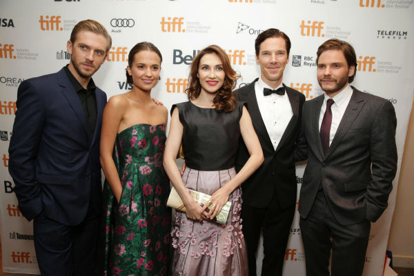 "<div class=""meta image-caption""><div class=""origin-logo origin-image ""><span></span></div><span class=""caption-text"">Cast members Dan Stevens, Alicia Vikander, Carice van Houten, Benedict Cumberbatch and Daniel Bruhl appear at the premiere of 'The Fifth Estate' at the 2013 Toronto International Film Festival in Toronto on Sept. 5, 2013. (Eric Charbonneau / Invision for DreamWorks Pictures / AP Images)</span></div>"