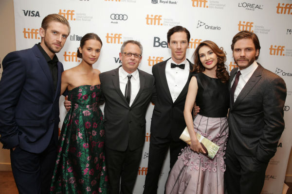 "<div class=""meta image-caption""><div class=""origin-logo origin-image ""><span></span></div><span class=""caption-text"">Dan Stevens, Alicia Vikander, director Bill Condon, Benedict Cumberbatch, Carice van Houten and Daniel Bruhl appear at the premiere of 'The Fifth Estate' at the 2013 Toronto International Film Festival in Toronto on Sept. 5, 2013. (Eric Charbonneau / Invision for DreamWorks Pictures / AP Images)</span></div>"
