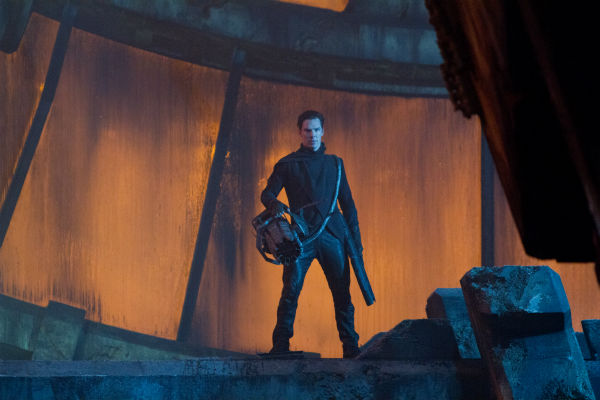 "<div class=""meta ""><span class=""caption-text "">Benedict Cumberbatch (John Harrison) appears in a scene from the 2013 film 'Star Trek Into Darkness.' (Zade Rosenthal / Paramount Pictures)</span></div>"