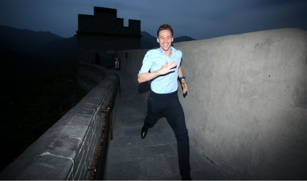 Tom Hiddleston, who plays Loki in &#39;Thor: The Dark World,&#39; visits the Great Wall of China on Oct. 12, 2013. <span class=meta>(Walt Disney Studios)</span>