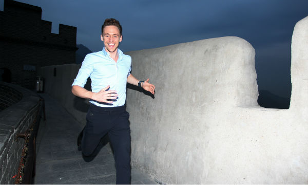 "<div class=""meta ""><span class=""caption-text "">Tom Hiddleston, who plays Loki in 'Thor: The Dark World,' visits the Great Wall of China on Oct. 12, 2013. (Walt Disney Studios)</span></div>"