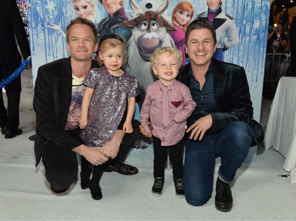 Neil Patrick Harris, partner David Burtka and their twins, Harper and Gideon, attend the premiere of Disney&#39;s &#39;Frozen&#39; at the El Capitan Theatre in Los Angeles on Nov. 19, 2013. <span class=meta>(Alberto E. Rodriguez &#47; WireImage for Walt Disney Studios)</span>