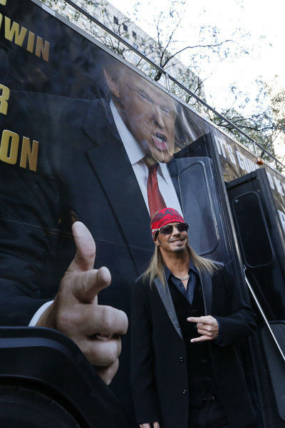 "<div class=""meta ""><span class=""caption-text "">Bret Michaels appears at an event announcing the cast of 'All Star Celebrity Apprentice' in New York City on Oct. 12, 2012. The Poison rocker won season 9 in 2010 and is a returning contestant. (NBC Photo / Heidi Gutman)</span></div>"