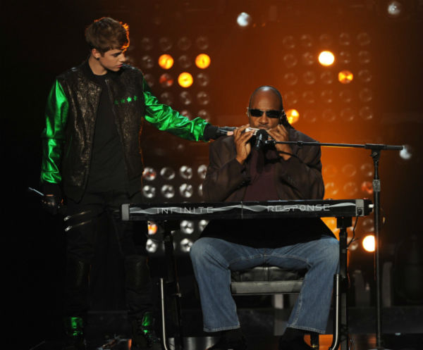 Justin Bieber and Stevie Wonder perform on 'The X Factor' finale on Dec. 22, 2011.