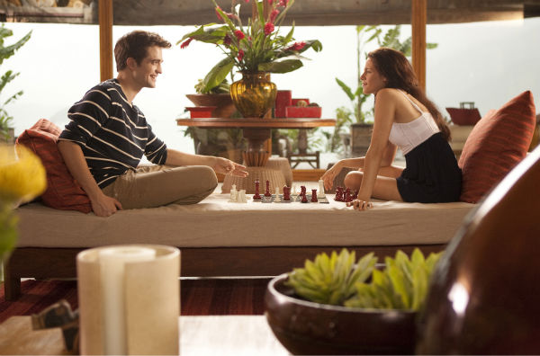 Kristen Stewart and Robert Pattinson appear in a scene from &#39;The Twilight Saga: Breaking Dawn - Part 1.&#39; <span class=meta>(Summit Entertainment &#47; Andrew Cooper)</span>