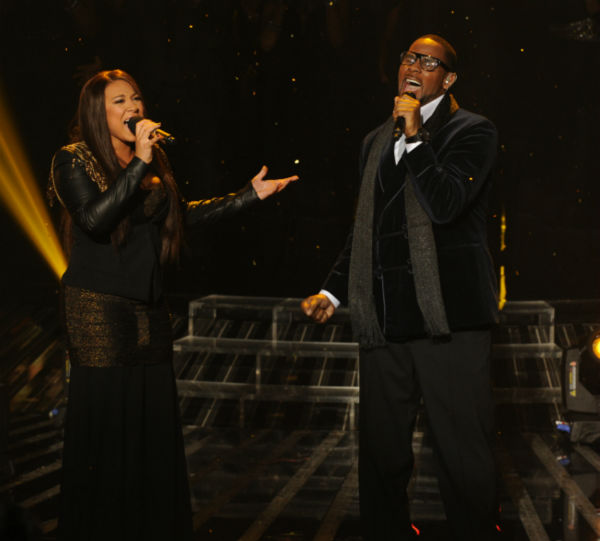 Melanie Amaro (L) and R. Kelly perform his 1996...