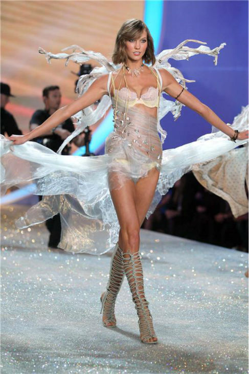 Karlie Kloss walks the runway at the 2013 Victoria&#39;s Secret Fashion Show at the Lexington Armory in New York on Nov. 13, 2013. <span class=meta>(Amanda Schwab &#47; Startraksphoto.com)</span>