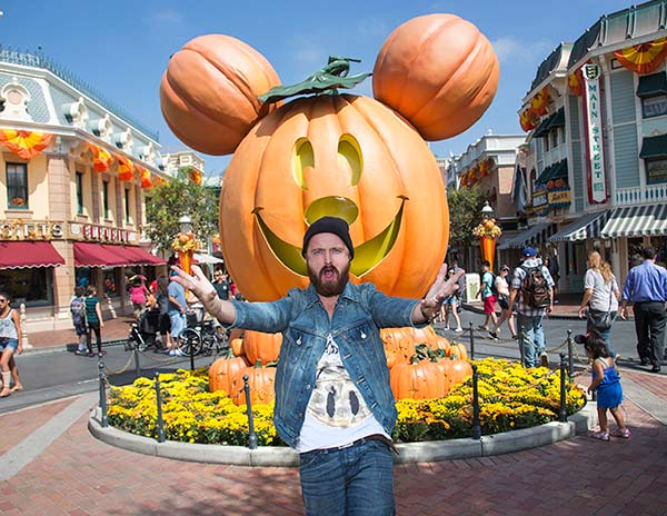 &#39;Breaking Bad&#39; star Aaron Paul celebrates &#39;Halloween Time&#39; at Disneyland in Anaheim, California on Tuesday, Sept. 17, 2013. <span class=meta>(Paul Hiffmeyer &#47; Disneyland)</span>