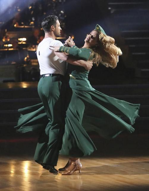 "<div class=""meta ""><span class=""caption-text "">Actress Kirstie Alley and her partner Maksim Chmerkovskiy received 27 out of 30 points from the judges for their Viennese Waltz on  'Dancing With The Stars: All-Stars,' which aired on November 12, 2012. (ABC / OTRC)</span></div>"