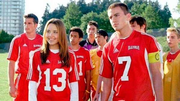 "<div class=""meta image-caption""><div class=""origin-logo origin-image ""><span></span></div><span class=""caption-text"">Amanda Bynes appears in the 2006 comedy film, 'She's The Man,' which also starred Channing Tatum and Laura Ramsey. The actress played her on-screen brother in the film -- a boy -- and obviously, hijinks ensue.  (Pictured: Amanda Bynes appears in a scene from her 2006 comedy romance film, 'She's The Man.') (Dreamworks SKG)</span></div>"