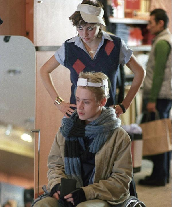 Macaulay Culkin and Eva Amurri appear in a scene from the 2004 film 'Saved!.'