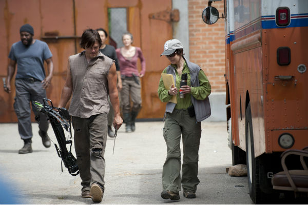 "<div class=""meta image-caption""><div class=""origin-logo origin-image ""><span></span></div><span class=""caption-text"">Norman Reedus (Daryl Dixon) and Co-Executive Producer Gale Anne Hurd appear on the set of AMC's 'The Walking Dead' while filming episode 2 of season 4, titled 'Infected,' which aired on Oct. 20, 2013.  (Gene Page / AMC)</span></div>"