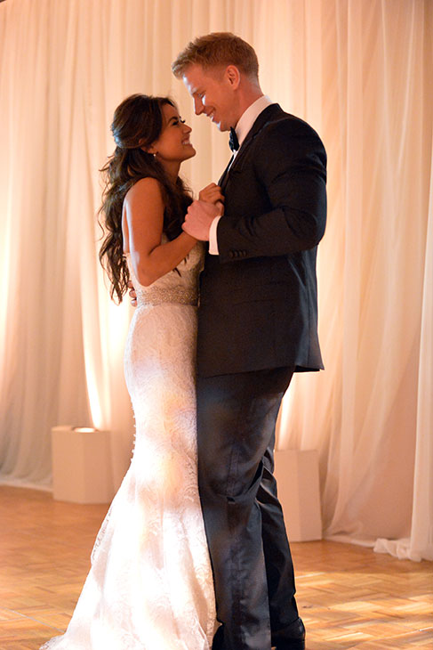 "<div class=""meta ""><span class=""caption-text "">'The Bachelor' season 17 stars Sean Lowe and Catherine Giudici dance at their wedding on Jan. 26, 2014.  The event aired live on ABC from the Four Seasons Biltmore hotel in Santa Barbara, CA. (ABC Photo / Todd Wawrychuk)</span></div>"
