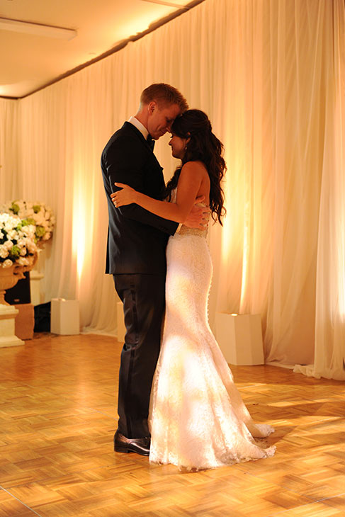 "<div class=""meta image-caption""><div class=""origin-logo origin-image ""><span></span></div><span class=""caption-text"">'The Bachelor' season 17 stars Sean Lowe and Catherine Giudici dance at their wedding on Jan. 26, 2014.  The event aired live on ABC from the Four Seasons Biltmore hotel in Santa Barbara, CA. (ABC Photo / Todd Wawrychuk)</span></div>"
