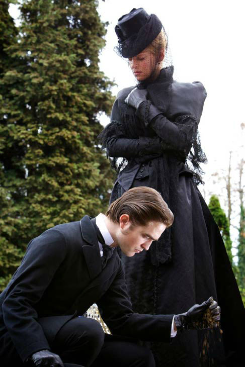 Robert Pattinson and Uma Thurman appear in a still from the 2012 movie &#39;Bel Ami.&#39; <span class=meta>(Studiocanal GmbH &#47; Digital)</span>