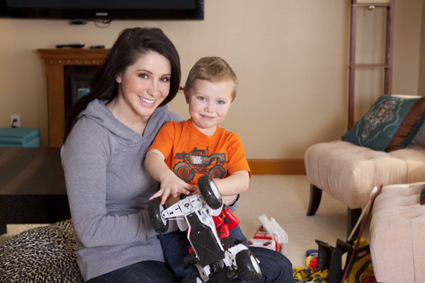 Bristol Palin and son Tripp appear in a promotional photo for her new Lifetime reality show &#39;Bristol Palin: Life&#39;s a Tripp,&#39; which premieres on June 19, 2012 at 10 p.m. ET. <span class=meta>(A and E Television Networks, LLC. &#47; Richard Knapp)</span>