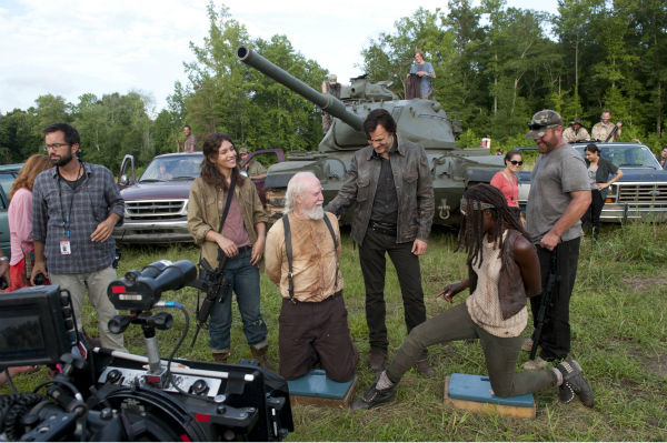 Juliana Harkavay &#40;Alisha&#41;, Scott Wilson &#40;Hershel Greene&#41;, David Morrissey &#40;The Governor&#41; and Danai Gurira &#40;Michonne&#41; appear on the set of AMC&#39;s &#39;The Walking Dead&#39;s season 4 midseason finale, which aired on Dec. 1, 2013. <span class=meta>(Gene Page &#47; AMC)</span>