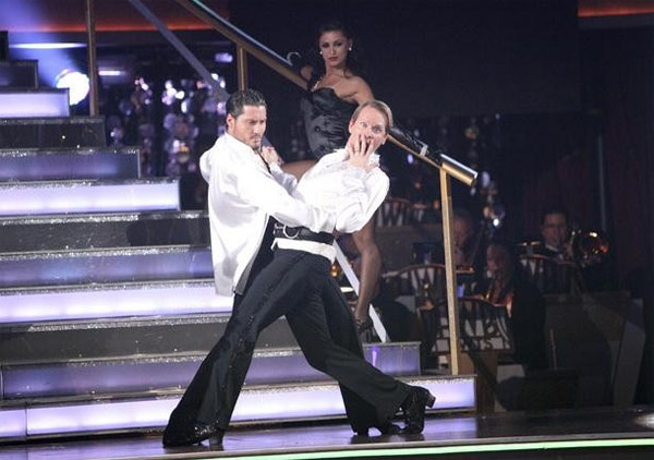 Carson Kressley returned to the ballroom for a final performance on 'Dancing With The Stars: The Results Show,' on Tuesday, November 22, 2011. He appears with dancer Val Chermokskiy.