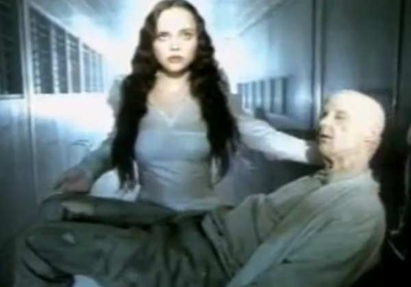 Ricci appears in a scene from the 2000 music video 'Natural Blues.'