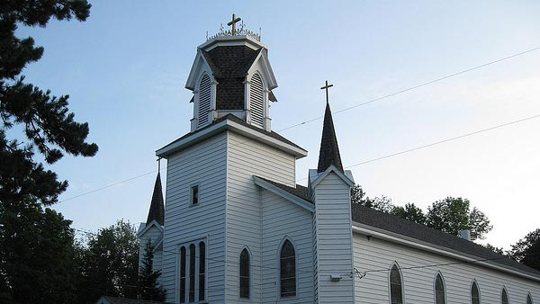 "<div class=""meta ""><span class=""caption-text "">In an interview with Larry King, Clooney says he grew up heavily Catholic.'Oh yes, I was an altar boy, did the whole thing. Latin masses too,' Clooney told Larry King. Pictured: A photo of a Catholic Church in Pennsylvania taken on Aug. 19, 2009. (flickr.com/photos/dougtone/)</span></div>"