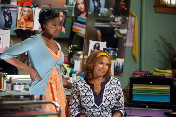 L to R: Condola Rashad &#40;Shelby&#41; and Queen Latifah &#40;M&#39;Lynn&#41; star in the all-new  Lifetime Original Movie, &#39;Steel Magnolias,&#39; premiering on Lifetime on Oct. 7, 2012. <span class=meta>(Annette Brown &#47; Lifetime Television)</span>