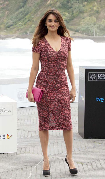 Penelope Cruz wears a floral L&#39;Wren Scott dress while arriving at a photocall for &#39;Venuto Al Mondo&#39; &#40;&#39;Twice Born&#39;&#41; in San Sebastian, Spain on Sept. 25, 2012. <span class=meta>(Javier Mateo &#47; Startraksphoto.com)</span>