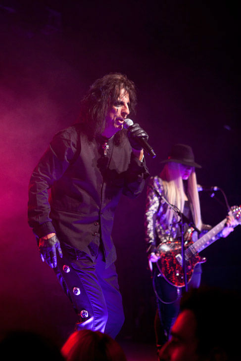Alice Cooper and band mate Orianthi appear in concert at the premiere party for Warner Bros. Pictures&#39; and Village Roadshow Pictures&#39; &#39;Dark Shadows,&#39; a Warner Bros. Pictures release, in Hollywood. <span class=meta>(Greg Zabilski)</span>