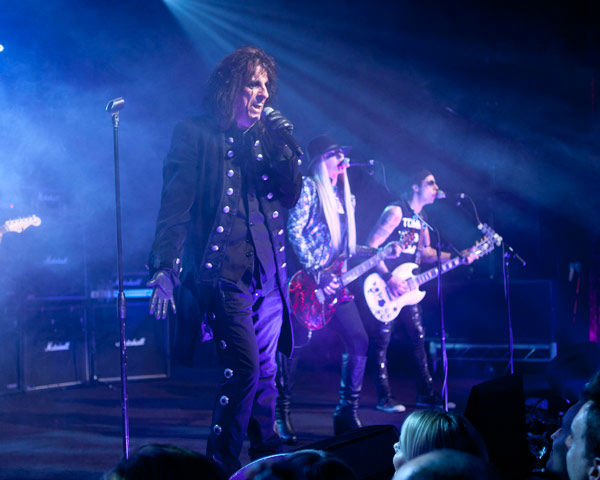 Alice Cooper and band mates Orianthi and Tommy Henriksen and appear in concert at the premiere party for Warner Bros. Pictures&#39; and Village Roadshow Pictures&#39; &#39;Dark Shadows,&#39; a Warner Bros. Pictures release, in Hollywood. <span class=meta>(Greg Zabilski)</span>