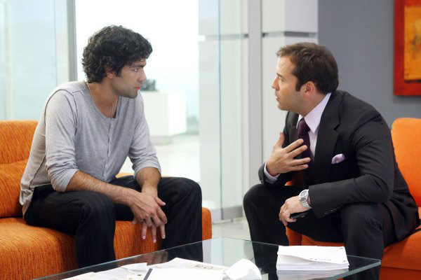 Adrian Grenier and Jeremy Piven in a still from...