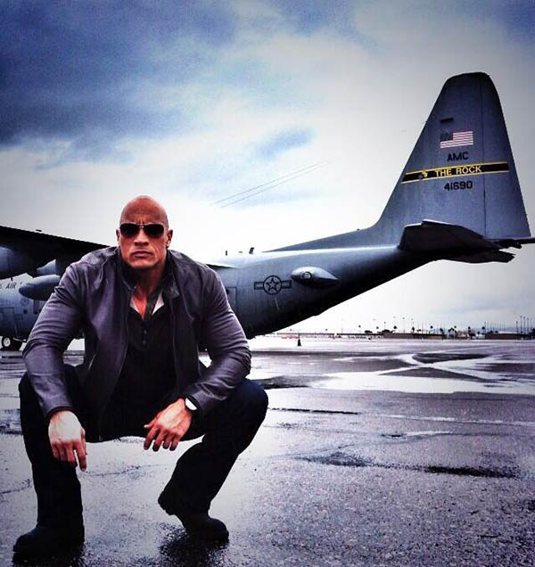 Dwayne Johnson tweeted this photo of himself on July 4, 2013, saying: &#39;Happy Independence Day America. Fierce love and pride - From both &#39;The Rocks&#39; &#40;check the tail;&#41;&#39; <span class=meta>(twitter.com&#47;TheRock&#47;status&#47;352768195393892352&#47;photo&#47;1)</span>