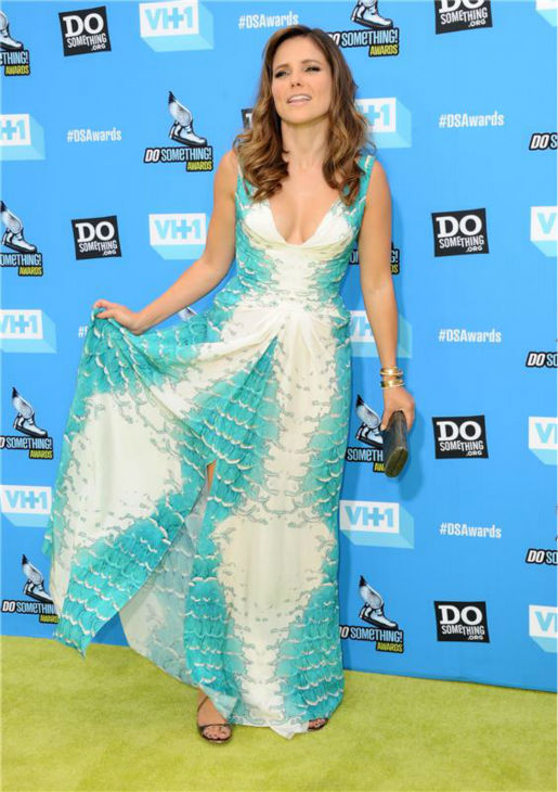 "<div class=""meta ""><span class=""caption-text "">Host Sophia Bush attends the 2013 Do Something Awards in Hollywood, California on July 31, 2013. She is wearing a teal and white, scale-print Monique Lhuillier Spring 2013 gown with a ruched front. (Sara De Boer / startraksphoto.com)</span></div>"