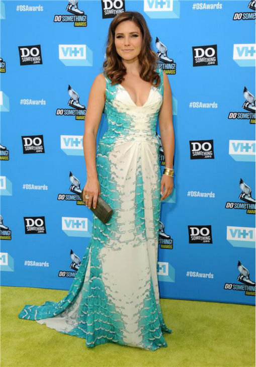 Host Sophia Bush attends the 2013 Do Something Awards in Hollywood, California on July 31, 2013. She is wearing a teal and white, scale-print Monique Lhuillier Spring 2013 gown with a ruched front. <span class=meta>(Sara De Boer &#47; startraksphoto.com)</span>