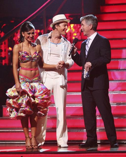Singer Gavin DeGraw and his partner Karina Smirnoff prepare to perform the Cha-Cha on the &#39;Dance Duel&#39; on &#39;Dancing With The Stars: The Results Show&#39; on Tuesday, April 17, 2012. <span class=meta>(ABC Photo)</span>