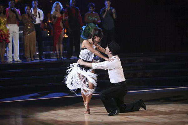 Jaleel White and his partner Kym Johnson and  Gavin DeGraw and his partner Karina Smirnoff faced off in the dance duel to the Cha-Cha on &#39;Dancing With The Stars: The Results Show&#39; on Tuesday, April 17, 2012.  <span class=meta>(ABC Photo)</span>