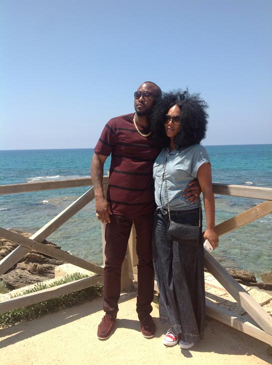 Omar and Keisha Epps pose near the coast of the...