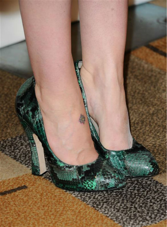 Sarah Paulson, wearing green and black snakeskin pumps, appears at a PaleyFest event celebrating the FX series &#39;American Horror Story,&#39; presented by the Paley Center for Media, at the Dolby Theatre in Hollywood, California on March 28, 2014. <span class=meta>(Sara De Boer &#47; Startraksphoto.com)</span>