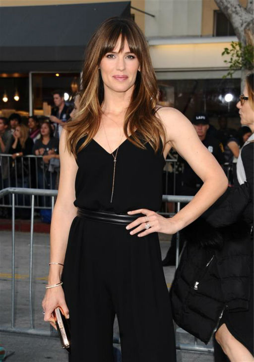 Jennifer Garner&#39;s perfect hair is so shiny ...  &#40;Pictured: Jennifer Garner appears at the premiere of &#39;Draft Day&#39; in Westwood, near Los Angeles, on April 7, 2014.&#41; <span class=meta>(Sara De Boer &#47; Startraksphoto.com)</span>