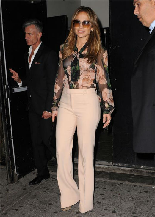 Jennifer Lopez leaves a nuvoTV 2013 Upfront presentation event on May 15, 2013. <span class=meta>(Humberto Carreno &#47; startraksphoto.com)</span>