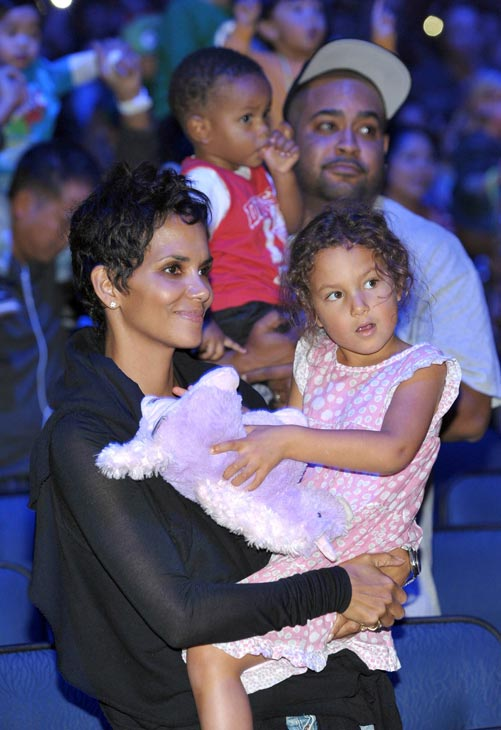 "<div class=""meta image-caption""><div class=""origin-logo origin-image ""><span></span></div><span class=""caption-text"">Halle Berry, left, and daughter Nahla attend the 'Yo Gabba Gabba! Live!: Get The Sillies Out!' 50+ city tour kick-off performance on Thanksgiving weekend at the Nokia Theatre L.A. Live on Nov. 23, 2012 in Los Angeles. (John Shearer / Invision for GabbaCaDabra, LLC.)</span></div>"