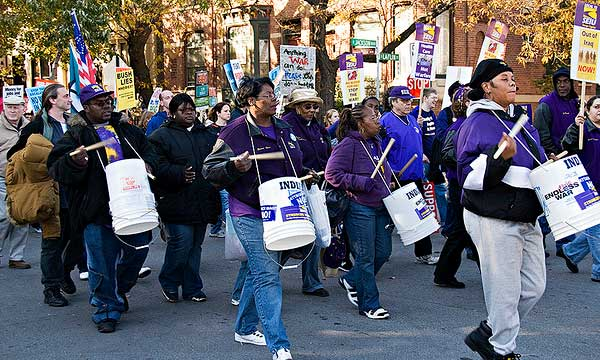 A photo of SEIU Local 72 protesting the Iraq War.