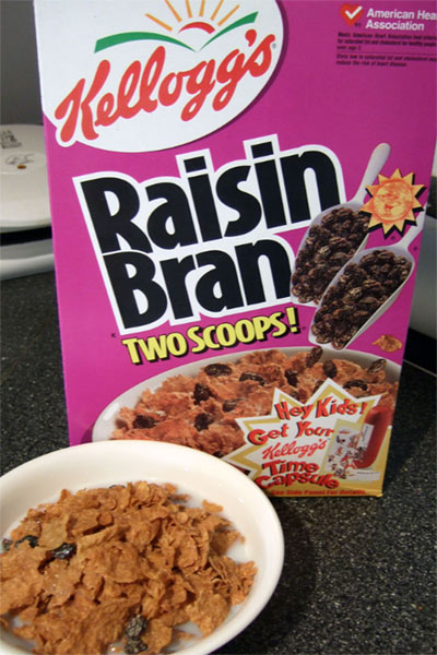 A photo of Raisin Bran.