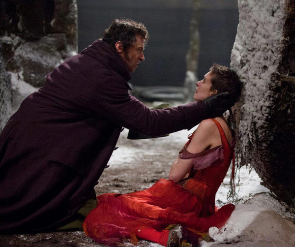 Hugh Jackman and Anne Hathaway appear as Jean Valjean and Fantine i