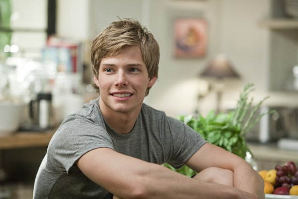 Hunter Parrish turns 25 on May 13, 2012. The actor is known for his role on the Showtime series &#39;Weeds&#39; and for films such as &#39;17 Again,&#39; &#39;It&#39;s Complicated,&#39; &#39;RV&#39; and &#39;Freedom Writers.&#39;  <span class=meta>(Universal Pictures)</span>