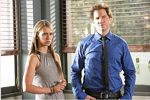 Jamie Kennedy and Jennifer Love Hewitt in a...