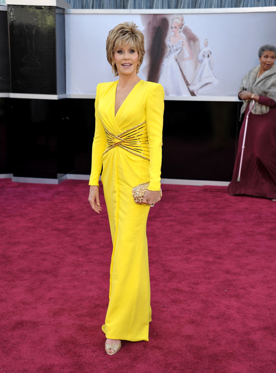 "<div class=""meta ""><span class=""caption-text "">Actress Jane Fonda arrives at the 85th Academy Awards at the Dolby Theatre on Sunday Feb. 24, 2013, in Los Angeles. She wore a yellow long-sleeve Versace gown to the event. (AP Photo/John Shearer/Invision)</span></div>"
