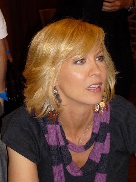 Jenna Elfman appears in a photo from the set of 'Accidentally on Purpose' on Oct. 2, 2009.