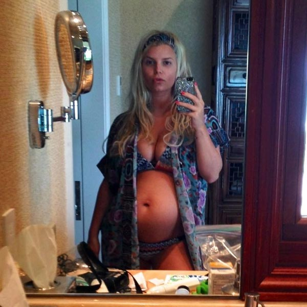 Jessica Simpson appears in a photo posted to her official Twitter account on December 30, 2012. - Provided courtesy of https://twitter.com/JessicaSimpson/status/285514689872539648/