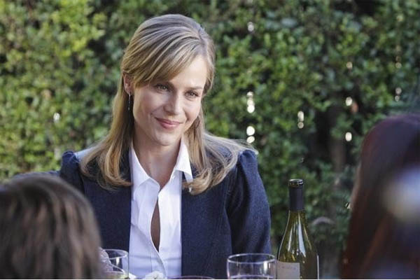 Julie Benz in a scene from 'No Ordinary Family'...