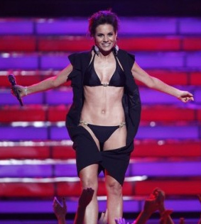 Kara DioGuardi appears in a bikini at the finale of '