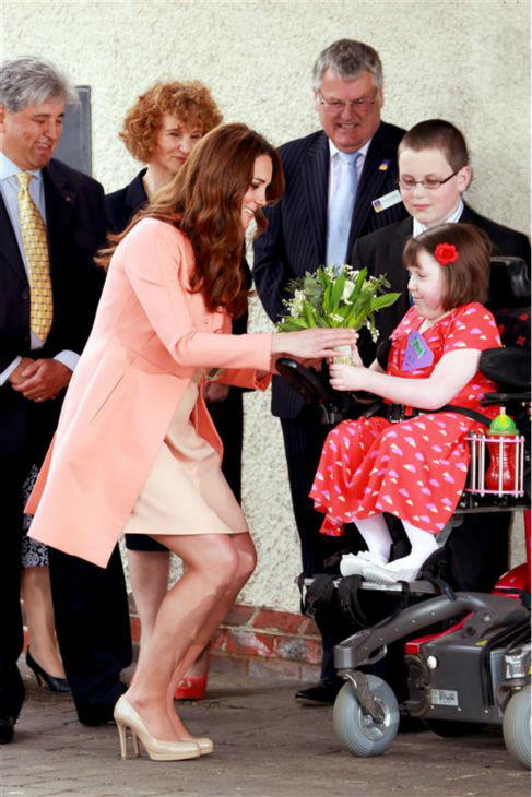 "<div class=""meta ""><span class=""caption-text "">The time Kate Middleton made this little girl happy during a visit to Naomi House Children's Hospice in Winchester in the UK on April 29, 2013. (Barcroft Media / Startraksphoto.com)</span></div>"